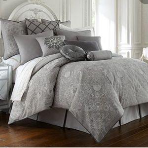 Waterford Linens Chantilly Platinum Bedskirt (NWT)